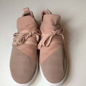 Steve Madden Lancer Lace-Up Sneakers